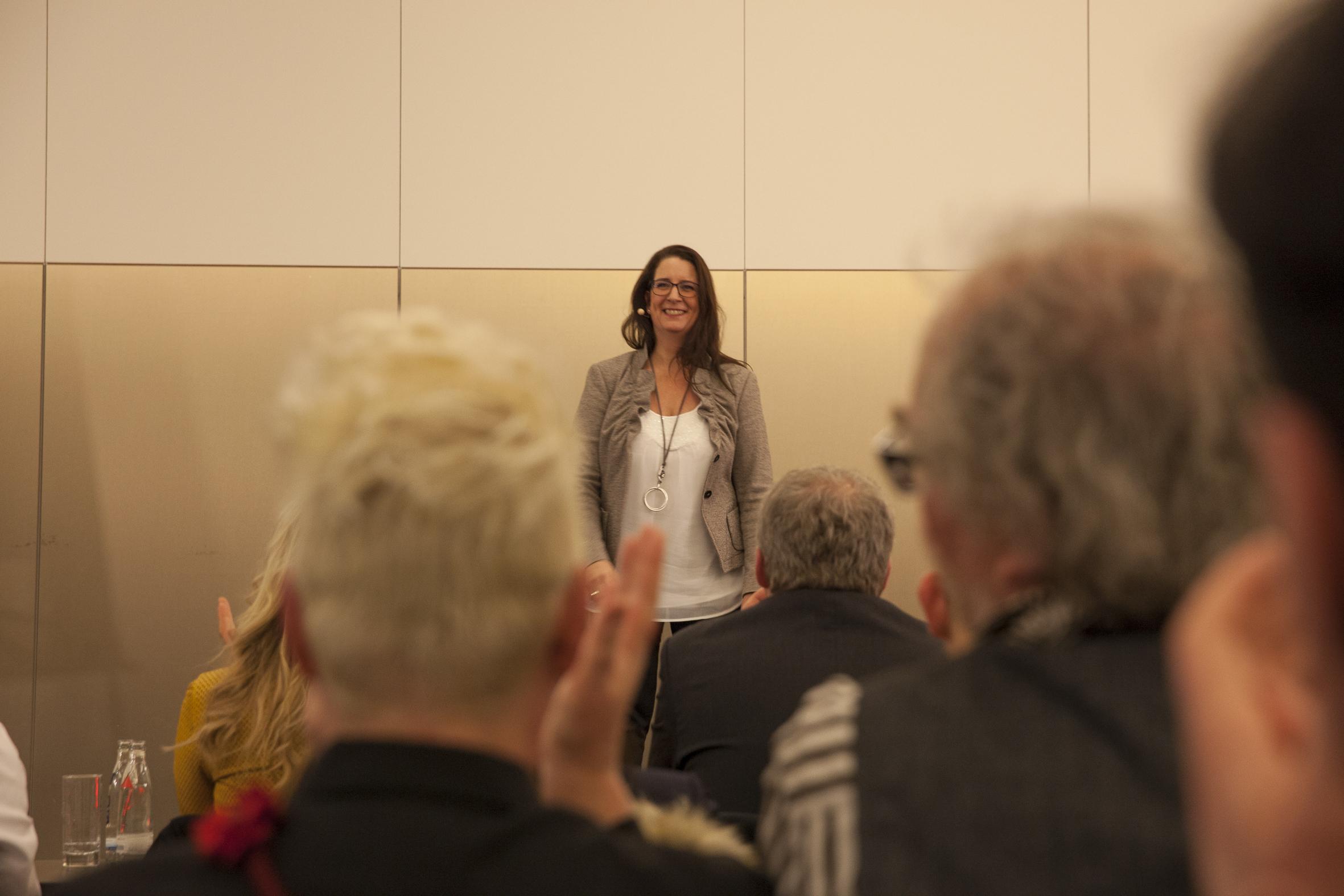 Michaela Forthuber Bild Vortrag Menschen